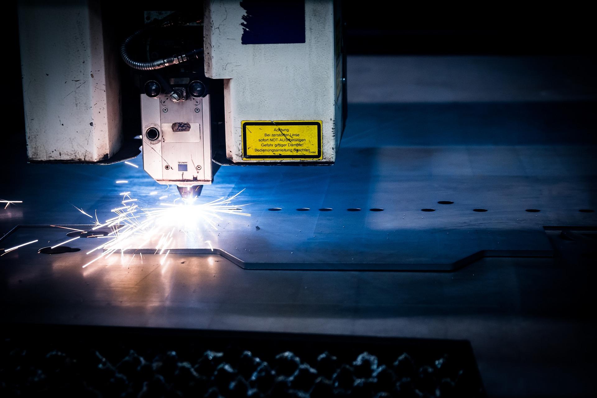 Skomplikowany proces cięcia stali